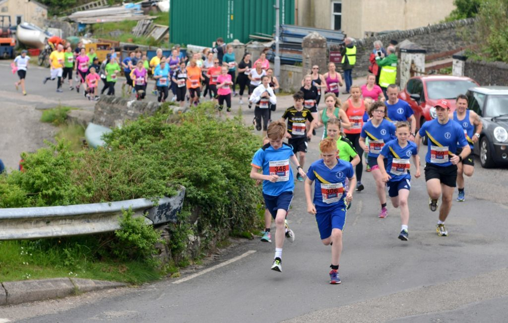 Youths at the front of the 5K start.