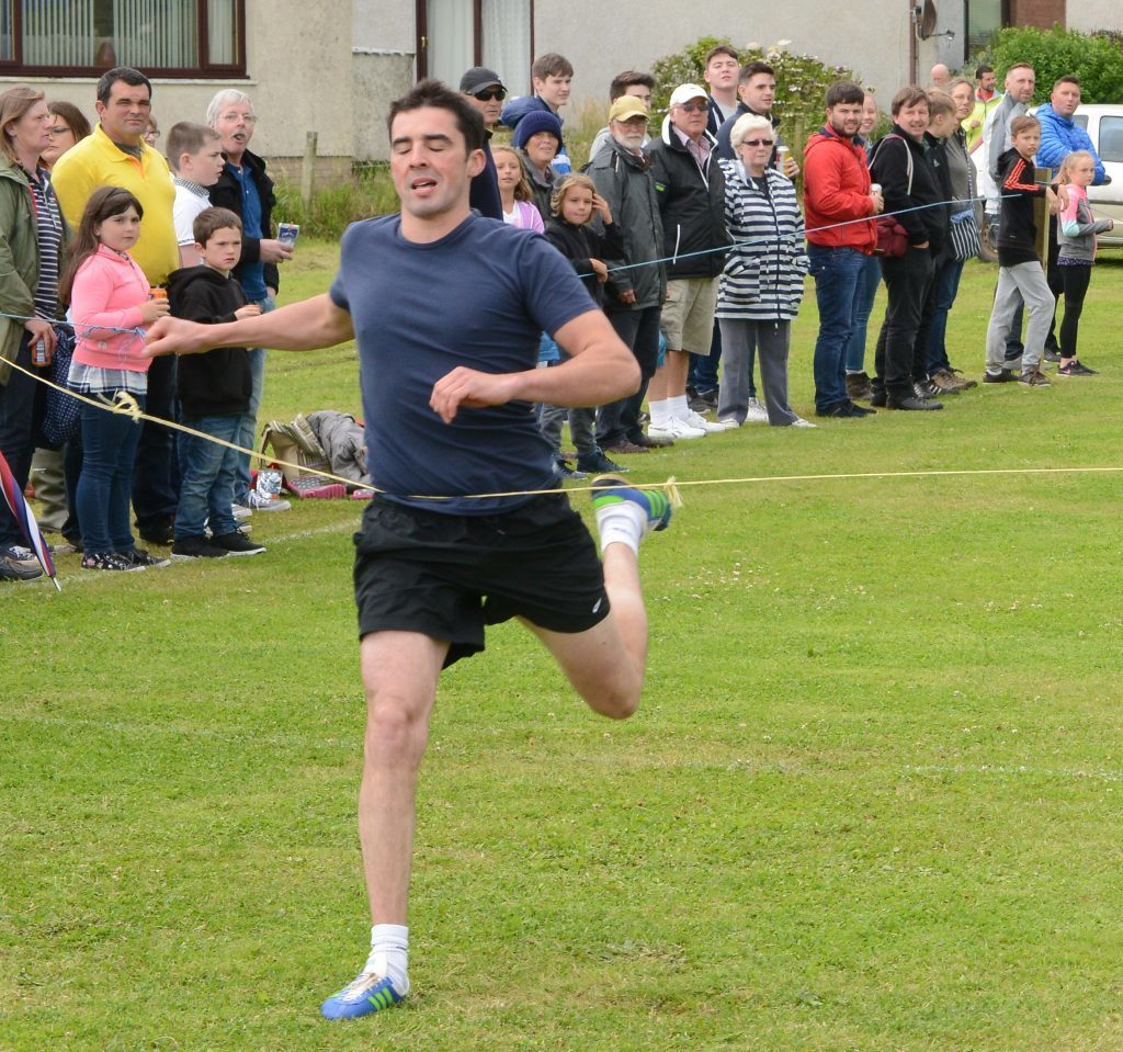 Southend sprinter Peter Mckerral ran a great 100 yards. 25_c30southendgames01