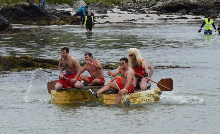The Baywatch team in hot pursuit of the Wee Isle Maids. 50_c31gigha11_third place