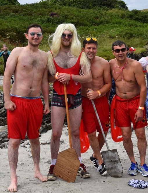 Team Baywatch back on dry land. 50_c31gigha12_team baywatch