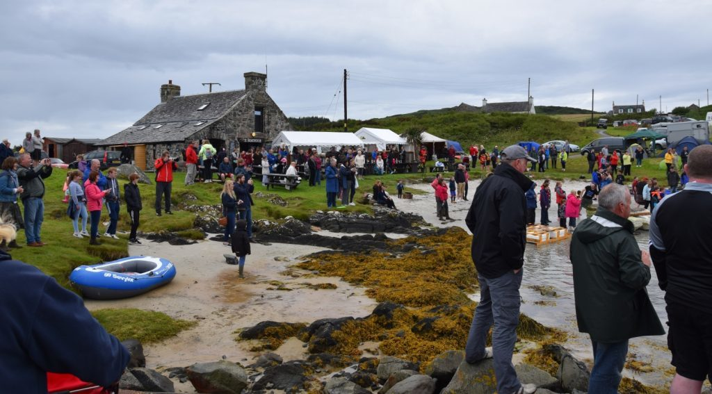 The Boathouse bay was packed with spectators. 50_c31gigha15_boathouse bay