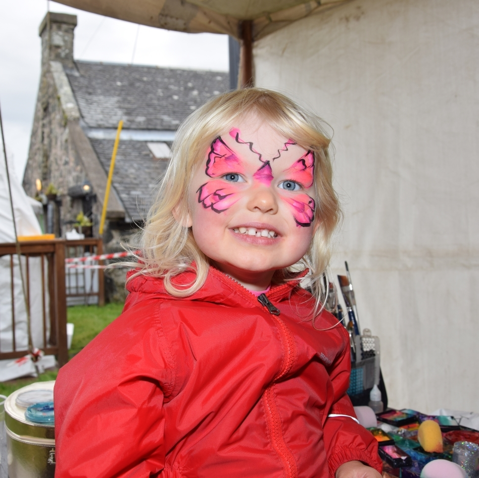 Lily Sheriff, two, sat very well to get her face painted. 50_c31gigha18_lily sheriff