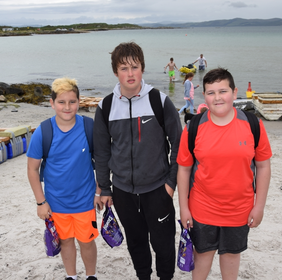 Team Terrible Trio, Callum Ward, 11, Finn Thomson, 13, and Connor Ward, 14, won the junior race. 50_c31gigha21_junior winners