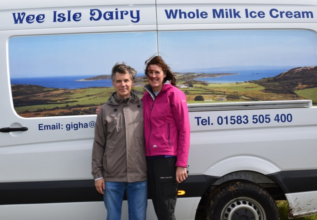 Don and Emma Dennis of Gigha's Wee Isle Dairy, served up fresh ice-cream on the day. 50_c32kintyreshow17_wee isle dairy