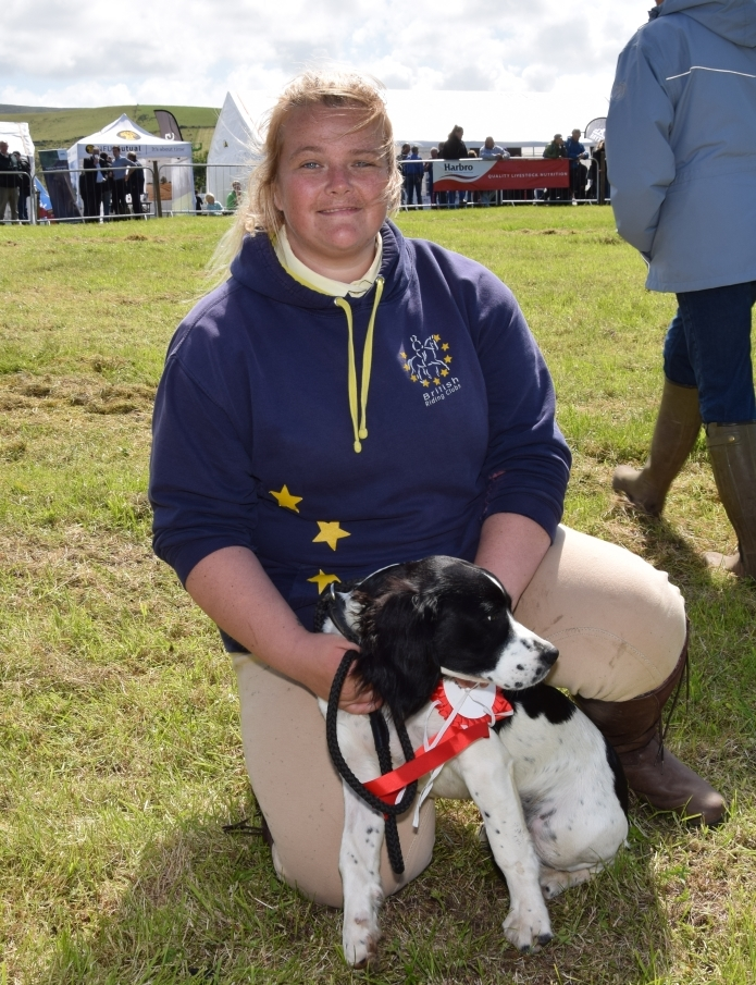Keren Paterson, with six-month-old springer spaniel Echo, who was crowned best dog at the show, a title which is confined to Kintyre entrants. 50_c32kintyreshow43_keren paterson