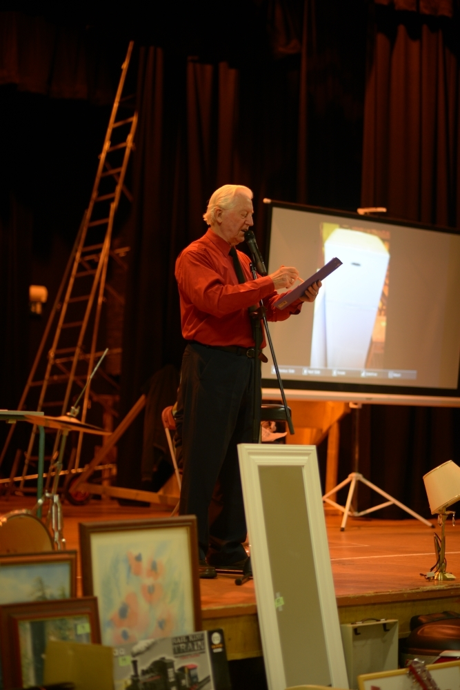 Auctioneer John Kerr.
