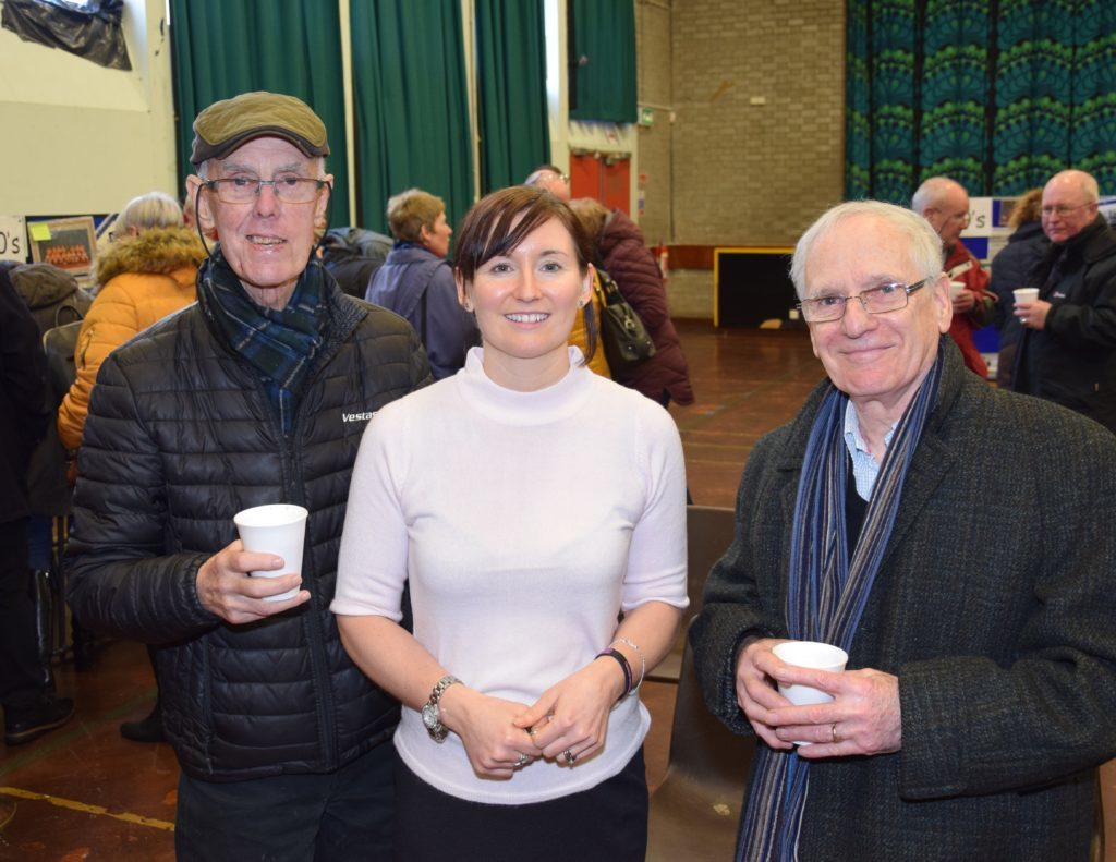 Current acting depute head teacher Elaine McGeachy, centre, caught up with former teachers, Jack Milligan, history, left, and Ronald Togneri, art, right. 50_c04oldgrammar07