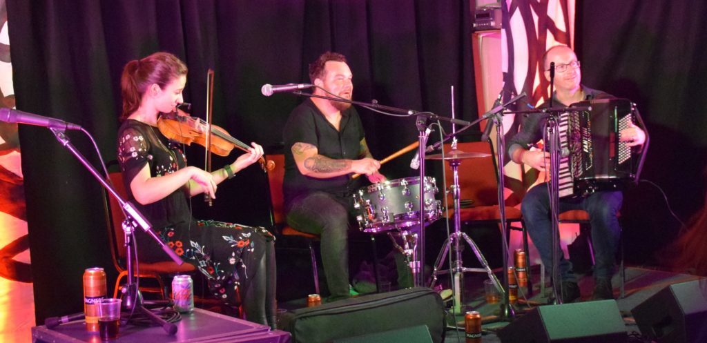 Jenn Butterworth, Ali Sutton and Stuart Cameron of Deoch 'n' Dorus formed a super-ensemble.