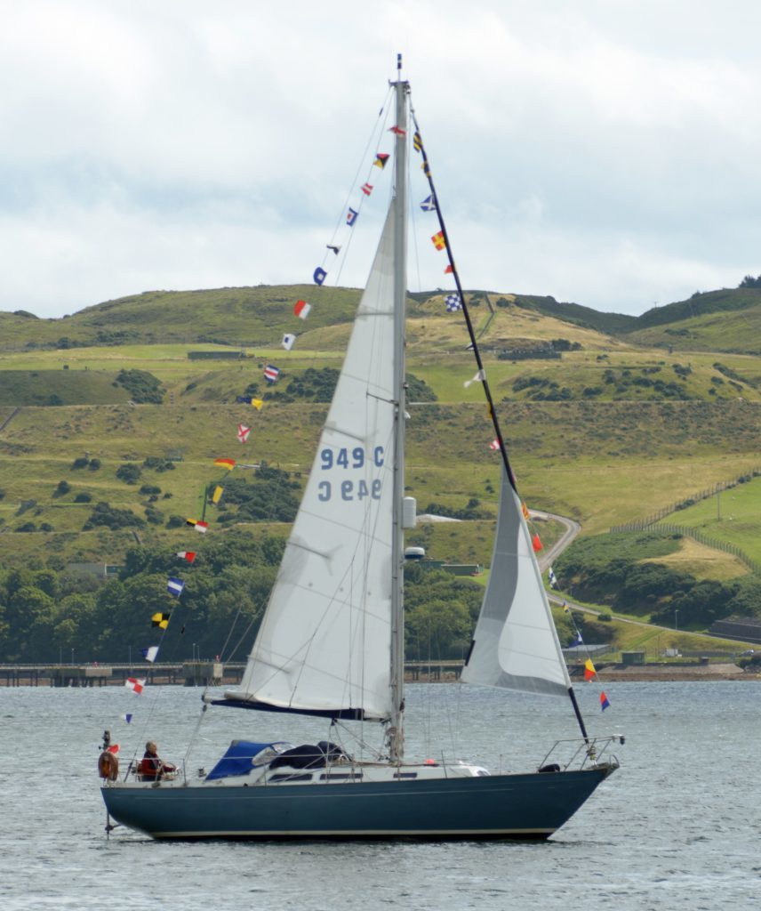 More than 25 people sampled yacht sailing on Michael Foreman's Blue Tarn bedecked with naval code flags. 25_c32regatta02_Blue_Tarn