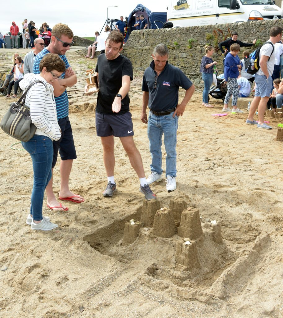 A castle with ramparts. 25_c32sandcastles12_ramparts