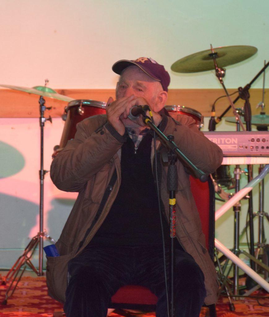 Clachan's John MacCallum played the harmonica.