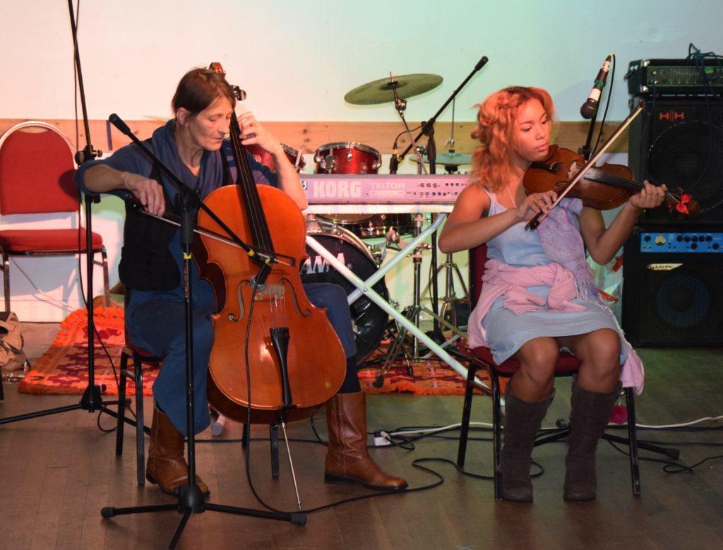 Uta Korner and Gaia Silvan perform a duet.
