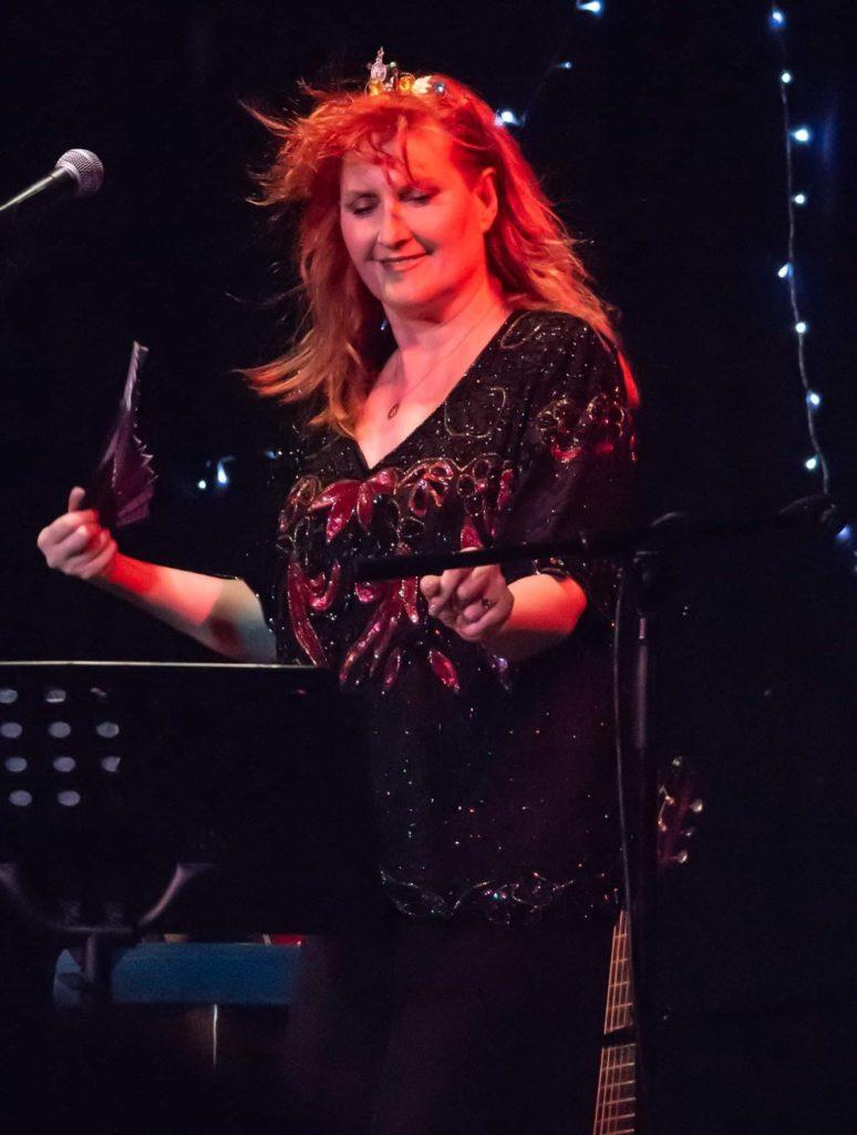 Eddi Reader performs in Tarbert.