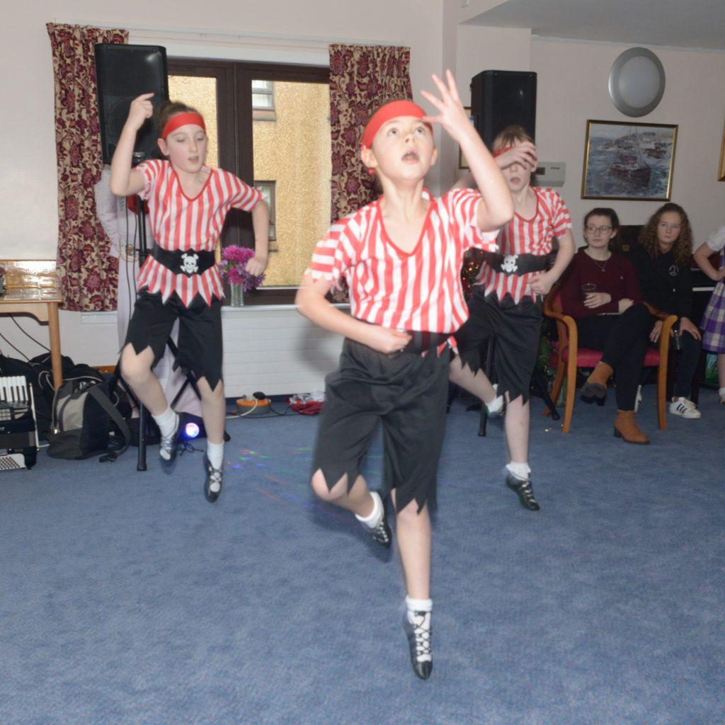 The sailors' dance.  25_c52LCCshow35