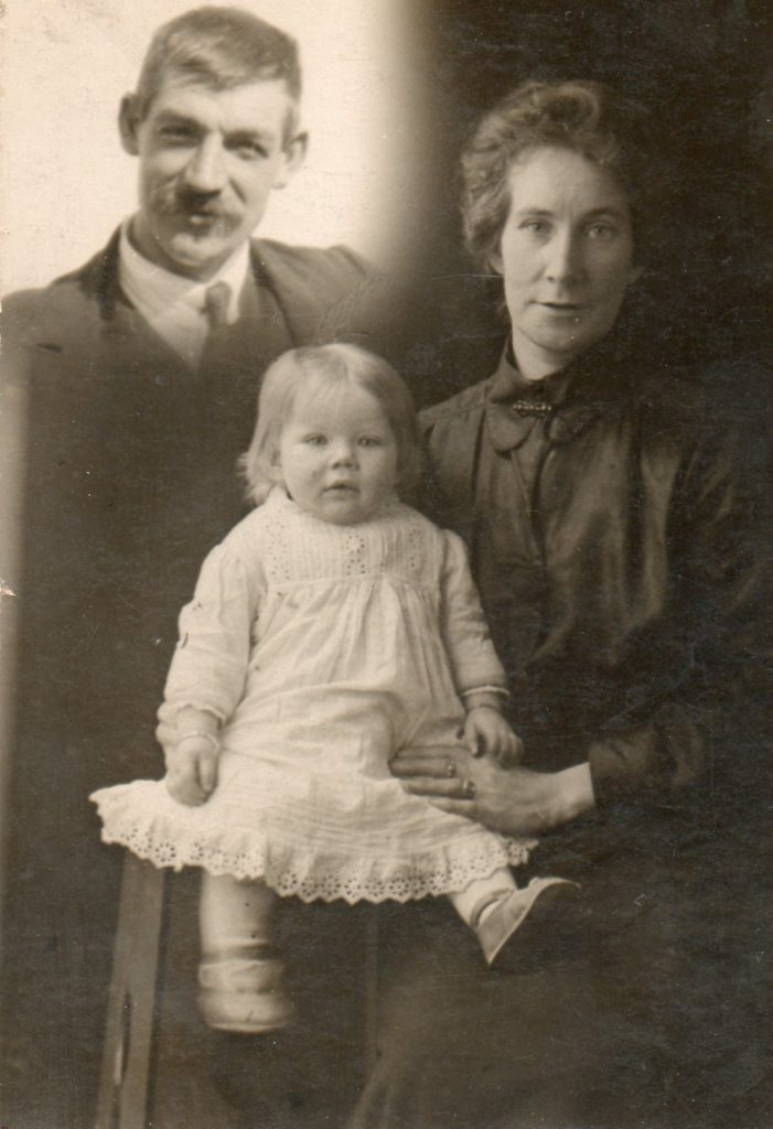 A composite photograph of Thomas Douglas, his wife Bessie (née Betsy McEachern) and their daughter, Isabella.