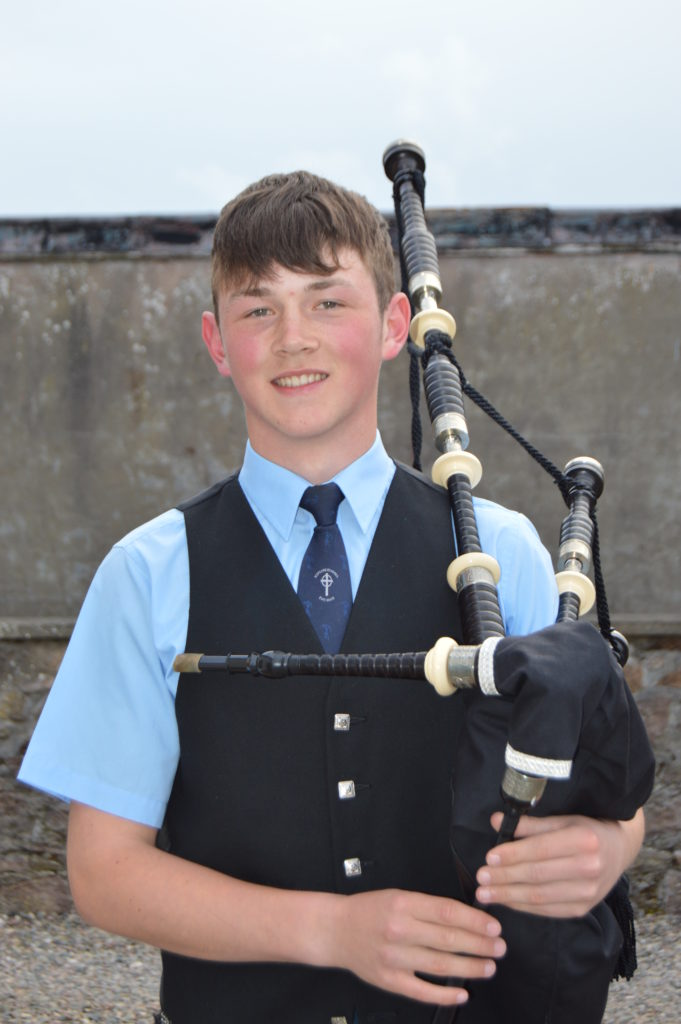 Fraser MacBrayne of Kintyre Schools Pipe Band was piper for the evening.