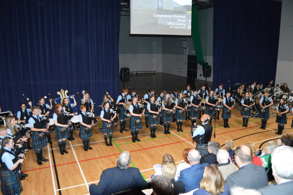 Kintyre Schools Pipe Band opened and closed the ceremony.