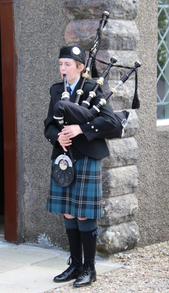 Heather Millar performed outside Southend Parish Church.