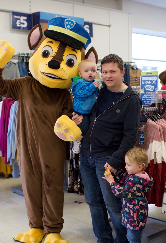 Chase met many families on Saturday including Alan Goddard and his children Elle and Louie.