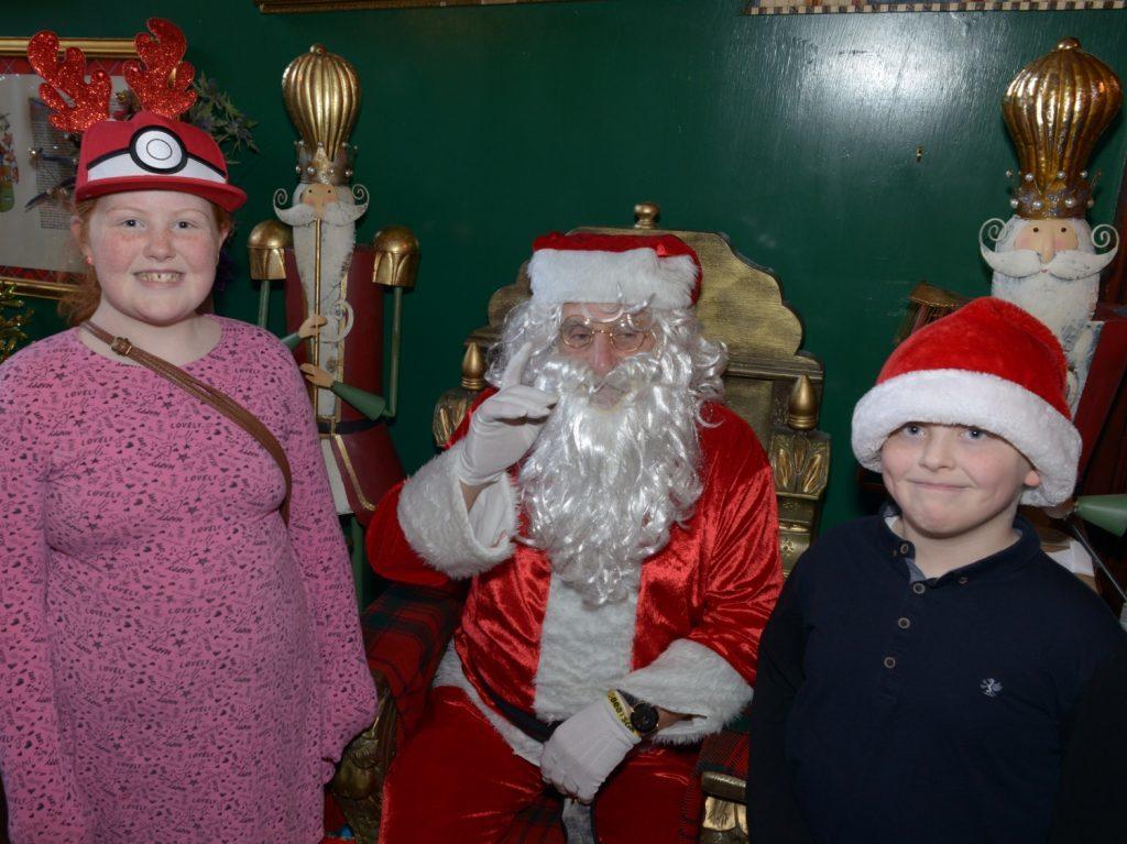 Final orders on Glenbarr Abbey's Christmas cheer