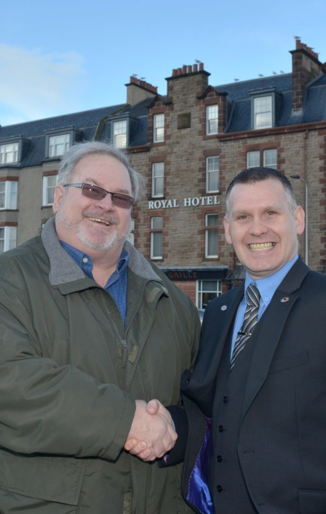 US Royal Hotel owners seek a buyer