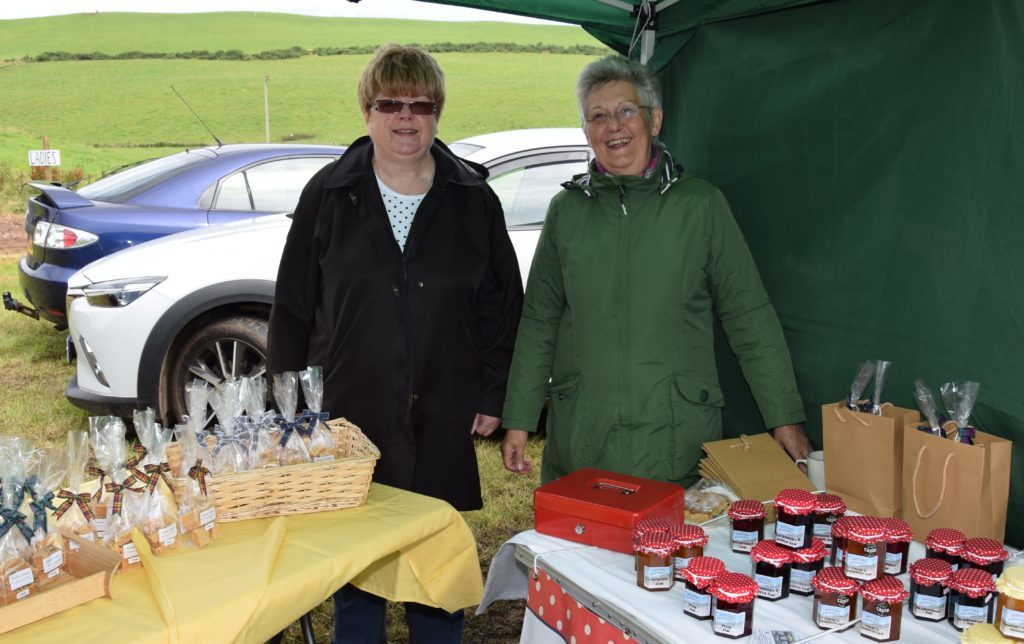 Agricultural show challenges bakers and gardeners