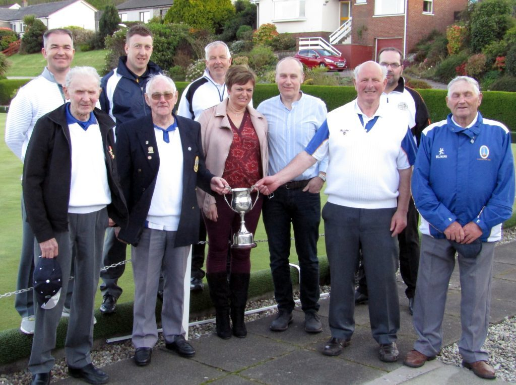 Seniors take Stronvaar's Leishman Memorial trophy