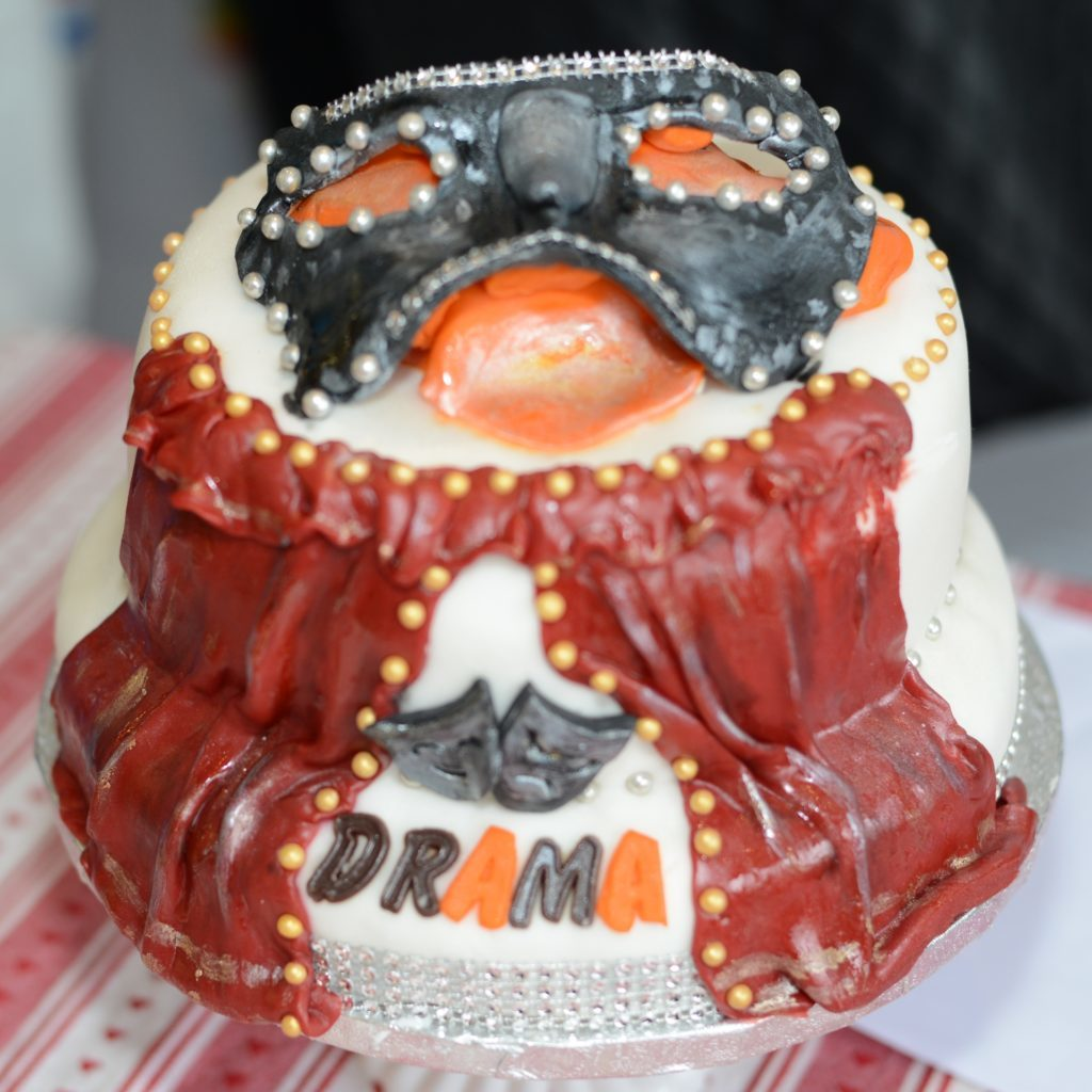 Acting cook baked a 'dramatic cake'