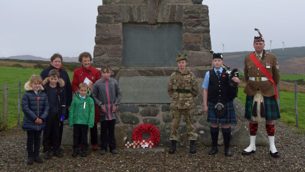 Largiesiders remembered in poignant service