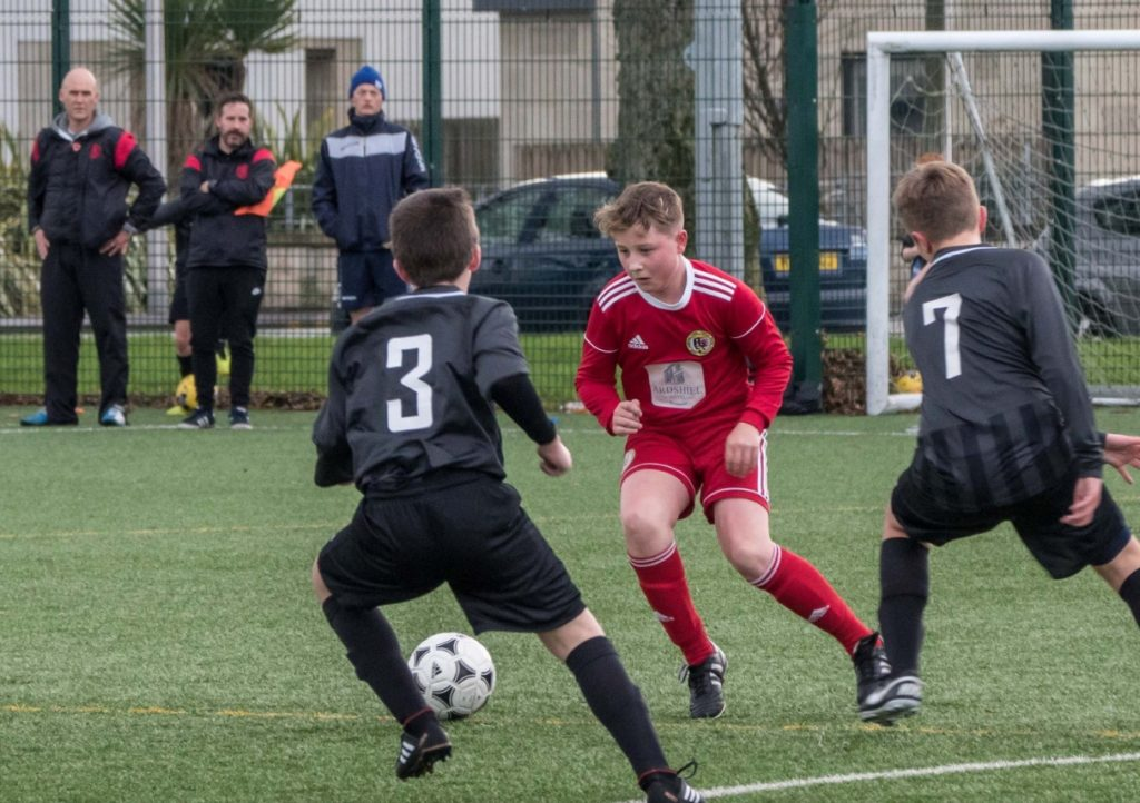 Young 2005 Pupils battle back for a win