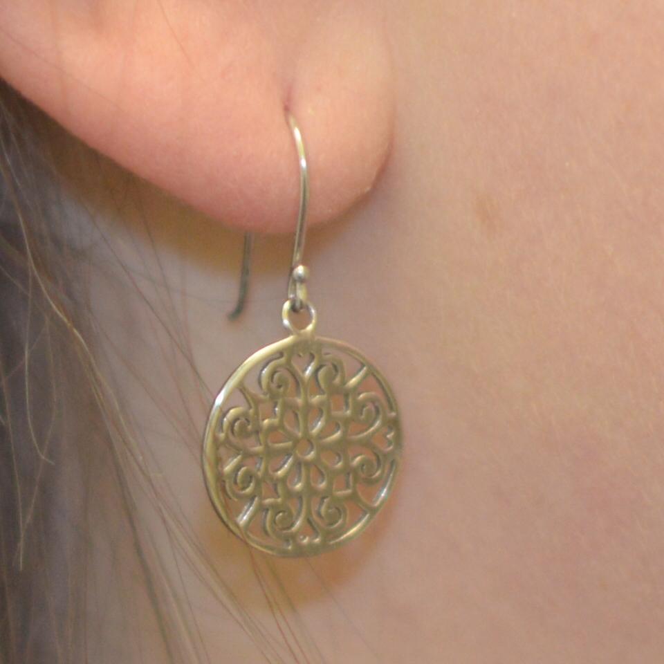 Jeweller's SWI earring entertainment