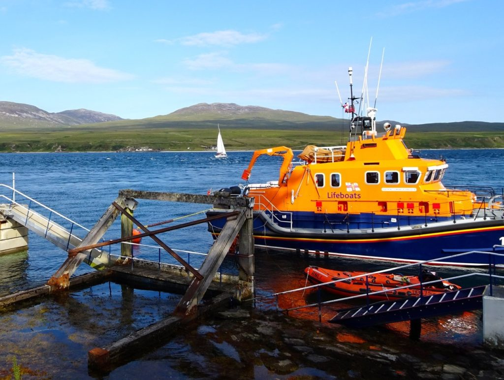 Islay lifeboat assists with Colonsay power outage
