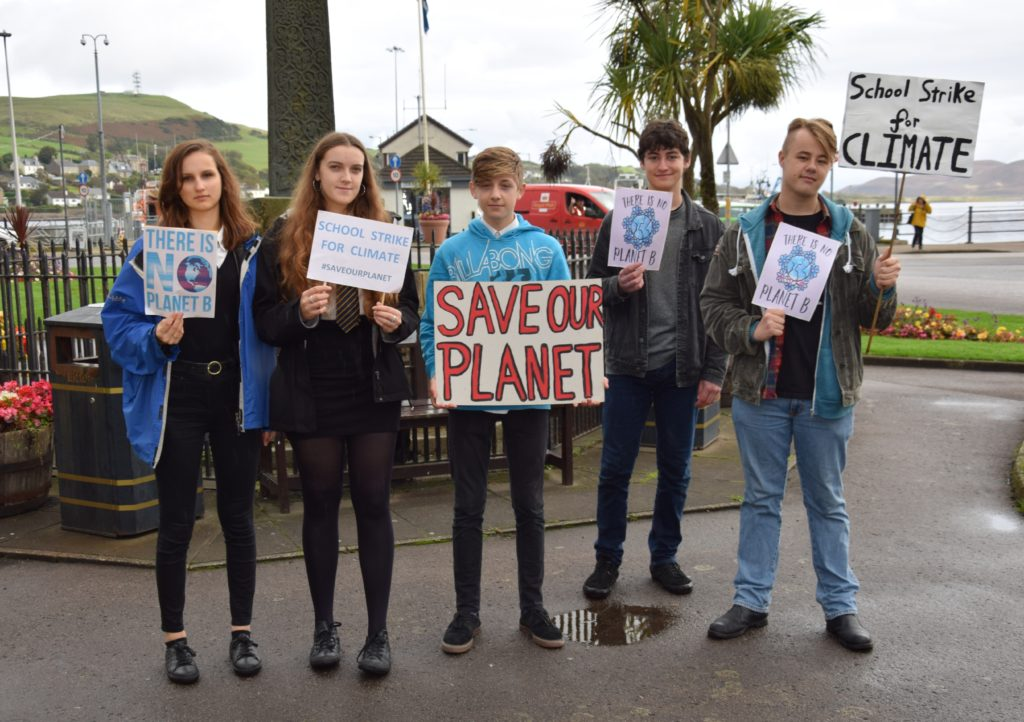 Pupils hold second climate change protest
