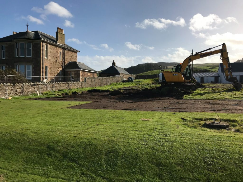 Work starts on golf clubhouse